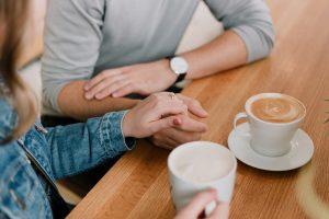 Hitta kärleken online – och få relationen att hålla